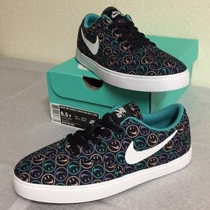 NIKE SB CHECK CNVS NK DAY (6.5Y) BOYS OR GIRLS S.